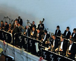 Todd Sullivan Orchestra for the true Big Band sound